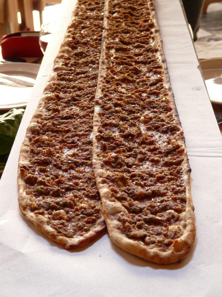 Lange Türkische Pizza - lamacun Kalorien